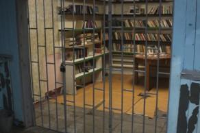 Норильск, народная библиотека в общежитии